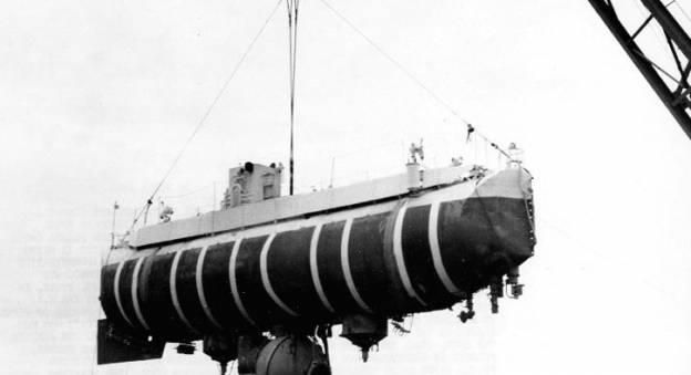 Le bathyscaphe Trieste © US Navy
