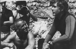 L'apnéiste italien Enzo Maiorca (à gauche) et son collègue et rival français Jacques Mayol (à droite)photographiés en 1978 sur l'île d'Ustica © vedi sotto