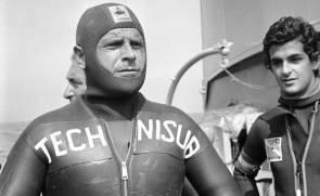 L'apnéiste Enzo Maiorca disparu le 13 novembre 2016 à l'âge de 85 ans. Photo d'archive prise le 21 septembre 1974 © ANSA