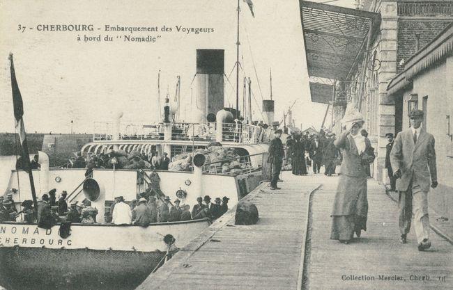 Embarquement des voyageurs à bord du transbordeur Nomadic © Collection Jean Pivain