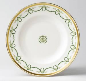 Assiette du service du restaurant À la carte © The Royal Crown Derby Porcelain Company Limited