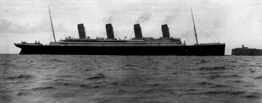 Le Titanic dans la rade de Cherbourg le 10 avril 1912 © Collection Claude Molteni de Villermont