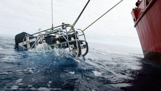 BOOTS lors de sa mise à l'eau © Shelton Dupreez/Pêches et Océans Canada