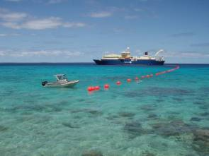 Alcatel-Lucent : pose d'un câble sous-marin © Subsea World News
