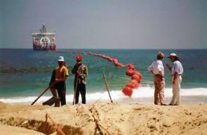 Travaux sur le point d'atterrissement d'un câble sous-marin, 1997 © Sergio77