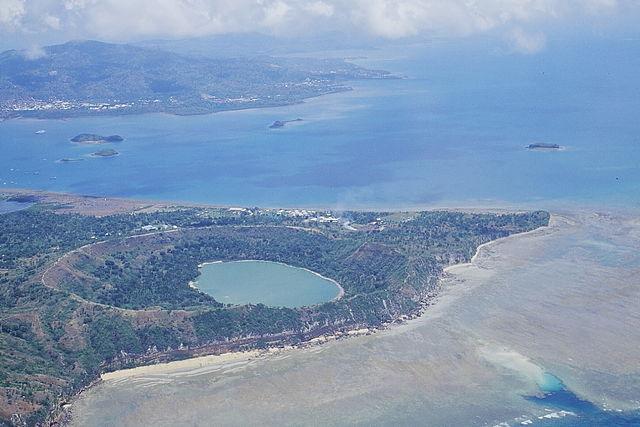 Le volcan sous-marin se situe à 50 km au large de Petite Terre, l'une des îles principales de Mayotte © Franck Bouttemy http://www.geodiversite.net/auteur197