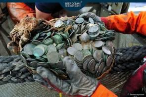 """100 tonnes de pièces d'argent ont été récupérées sur l'épave du """"SS City of Cairo"""" © Frédéric Bassemayousse;Deep Ocean Search LTD"""