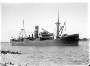 SS Iron Crown © Allan C. Green_Wikimedia Commons