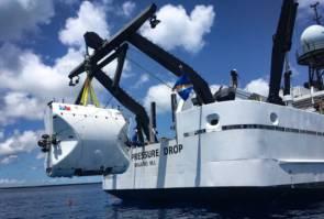 """""""Limiting Factor"""" le premier et le seul submersible habité au monde à être certifié pour plonger jusqu'à 11 000 mètres de profondeur © Triton/5 Deep Dives"""