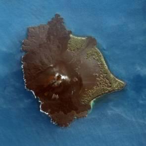 Le volcan Anak Krakatau © Image copyright DigitalGlobe