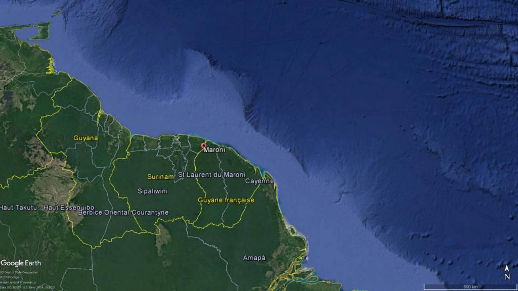 Le DRASSM recherche l'épave du navire négrier Leusden à l'embouchure du fleuve Maroni en Guyane © Google Earth