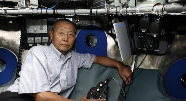 Masahiko IDA dans la sphère du Shinkai 6500 © JAMSTEC