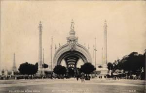 Porte Monumentale de l'Exposition universelle 1900 © catalogue souvenir de l'Exposition Universelle 1900, Paris, collection personnelle
