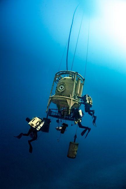 """Une tourelle de plongée permettra aux plongeurs de faire la """"navette"""" entre la station bathyale et les zones à explorer. ©Laurent Ballesta, Andromède Océanologie, GOMBESSA 5"""