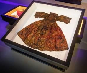La robe en soie découverte intacte après 400 ans passée sous la mer © Museum Kaap Skil.